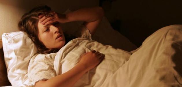 صورة التعرق عند النوم , اسباب العرق الكتير وقت النوم