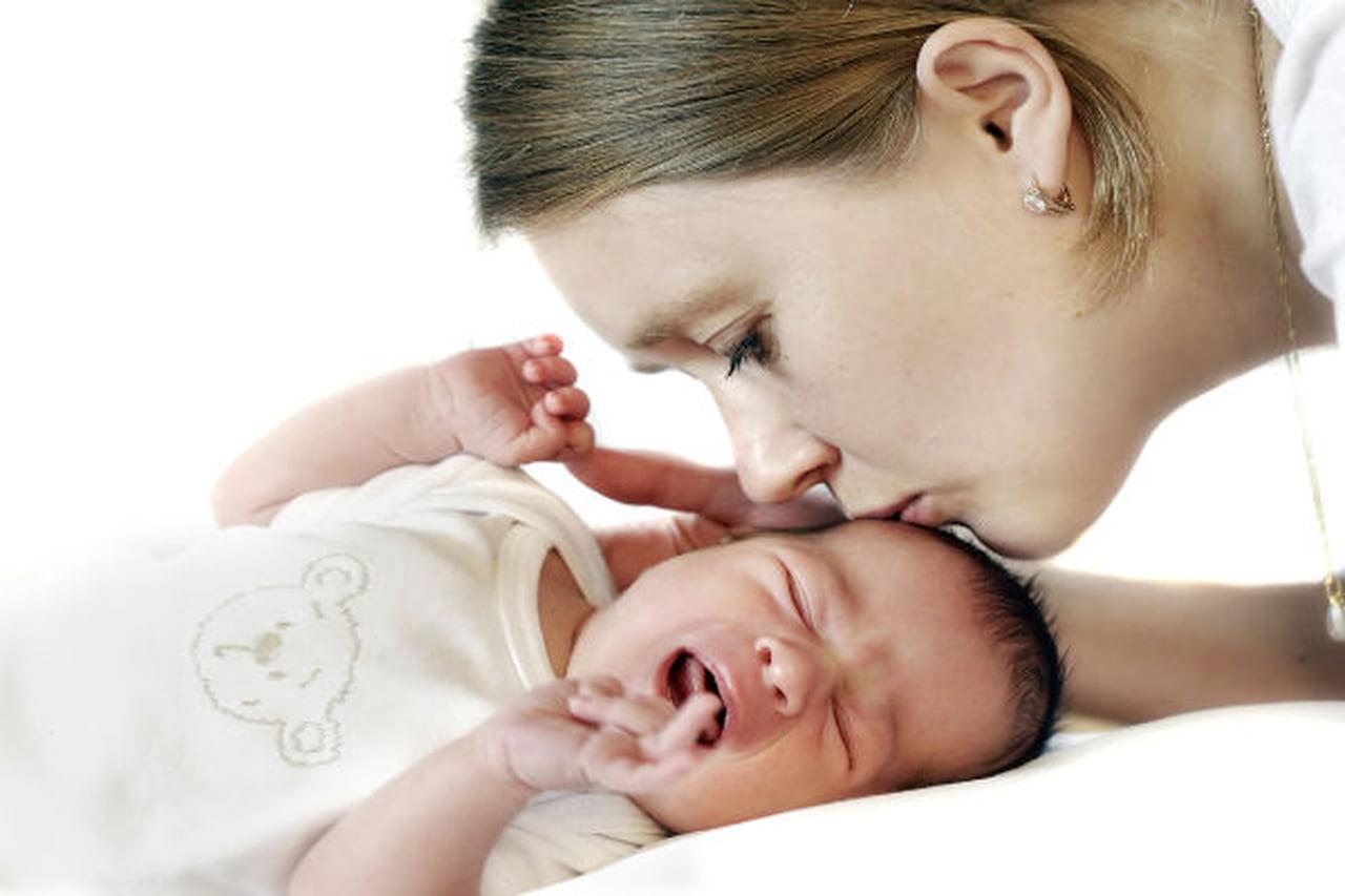صورة علاج الغازات عند الاطفال الرضع , التخلص من غازات البطن للاطفال