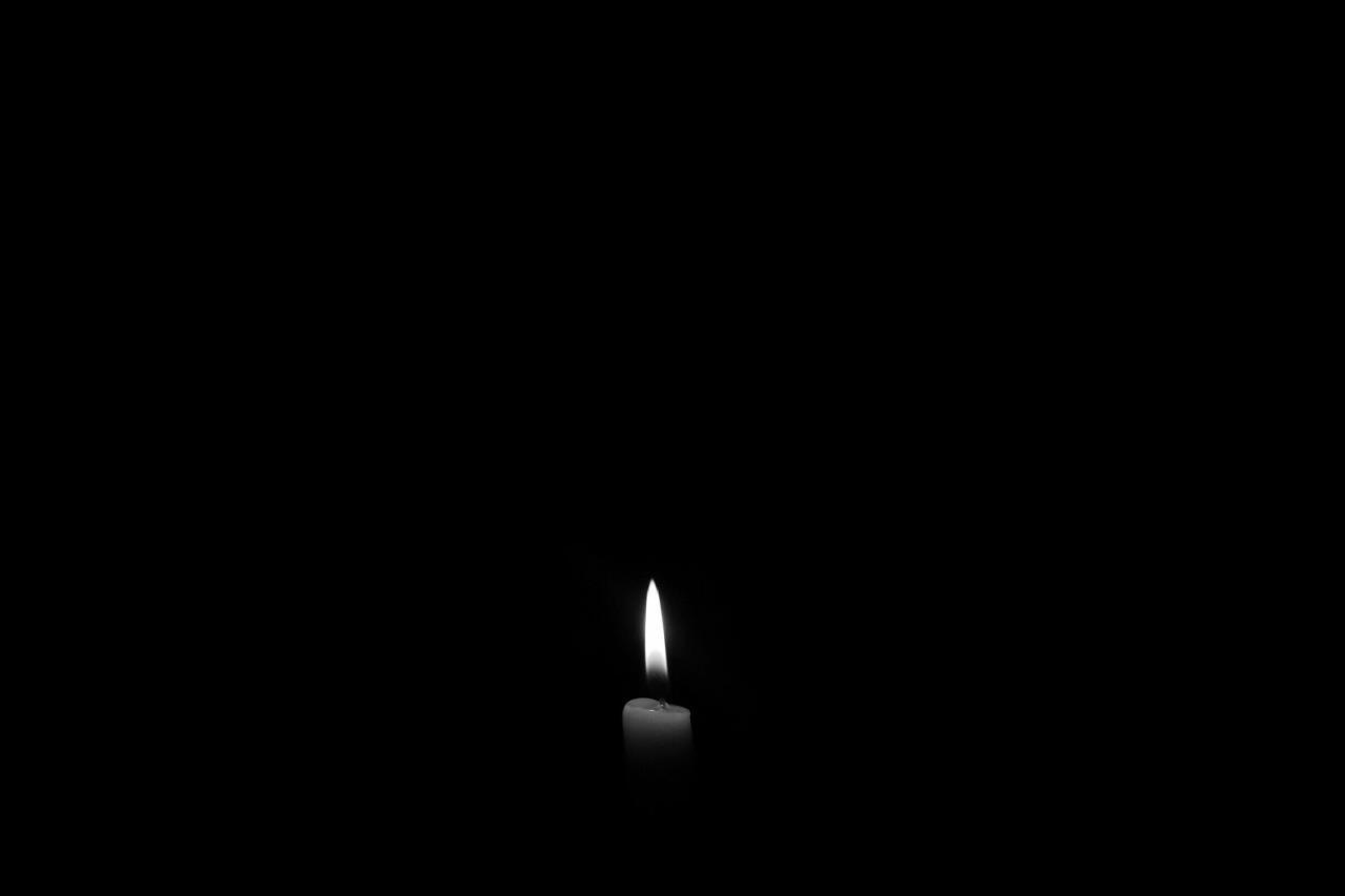 صور خلفيات سوداء ساده , صور خلفيات غامضه وحزينه