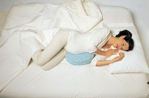 صورة النوم على البطن للحامل في الاشهر الاولى , يهم كل الحوامل