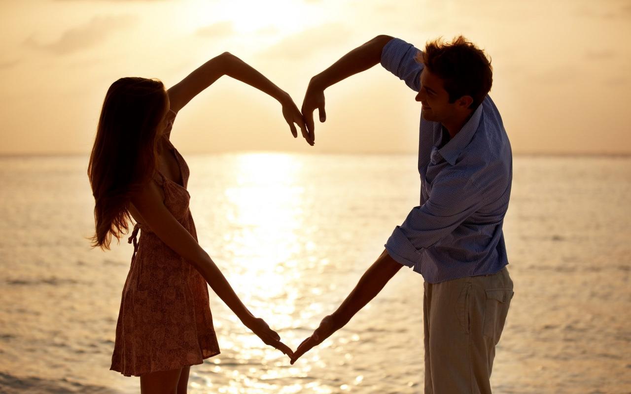 صورة صور حب بين الزوجين , هو القلب والحياه