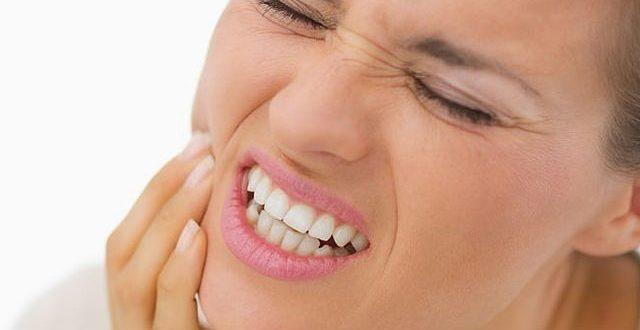 صورة علاج طقطقة الفك بالاعشاب , مشاكل الفك الصدغي للرجال والنساء