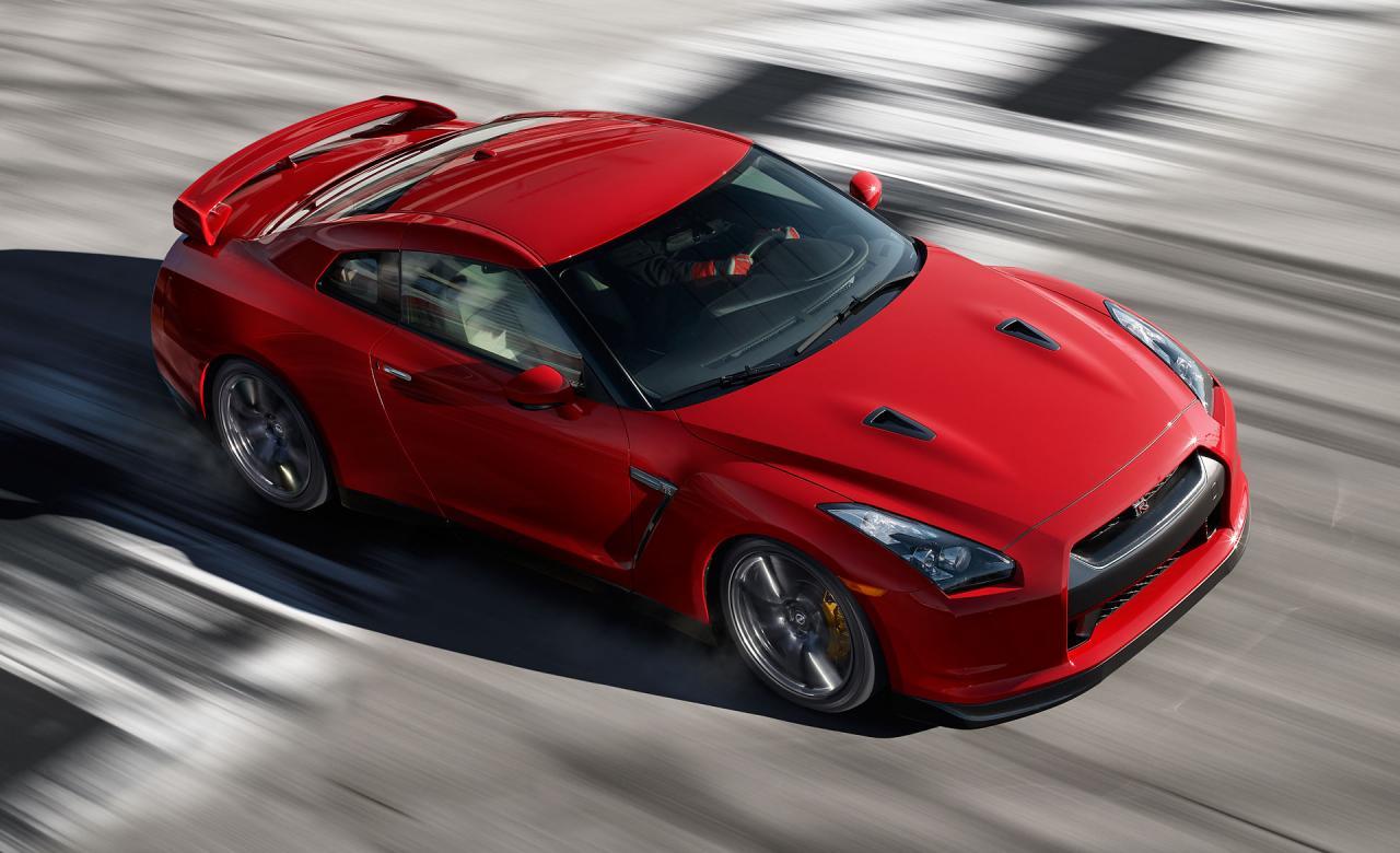 صورة تفسير الاحلام سيارة حمراء , ركوب سيارة حمراء في المنام