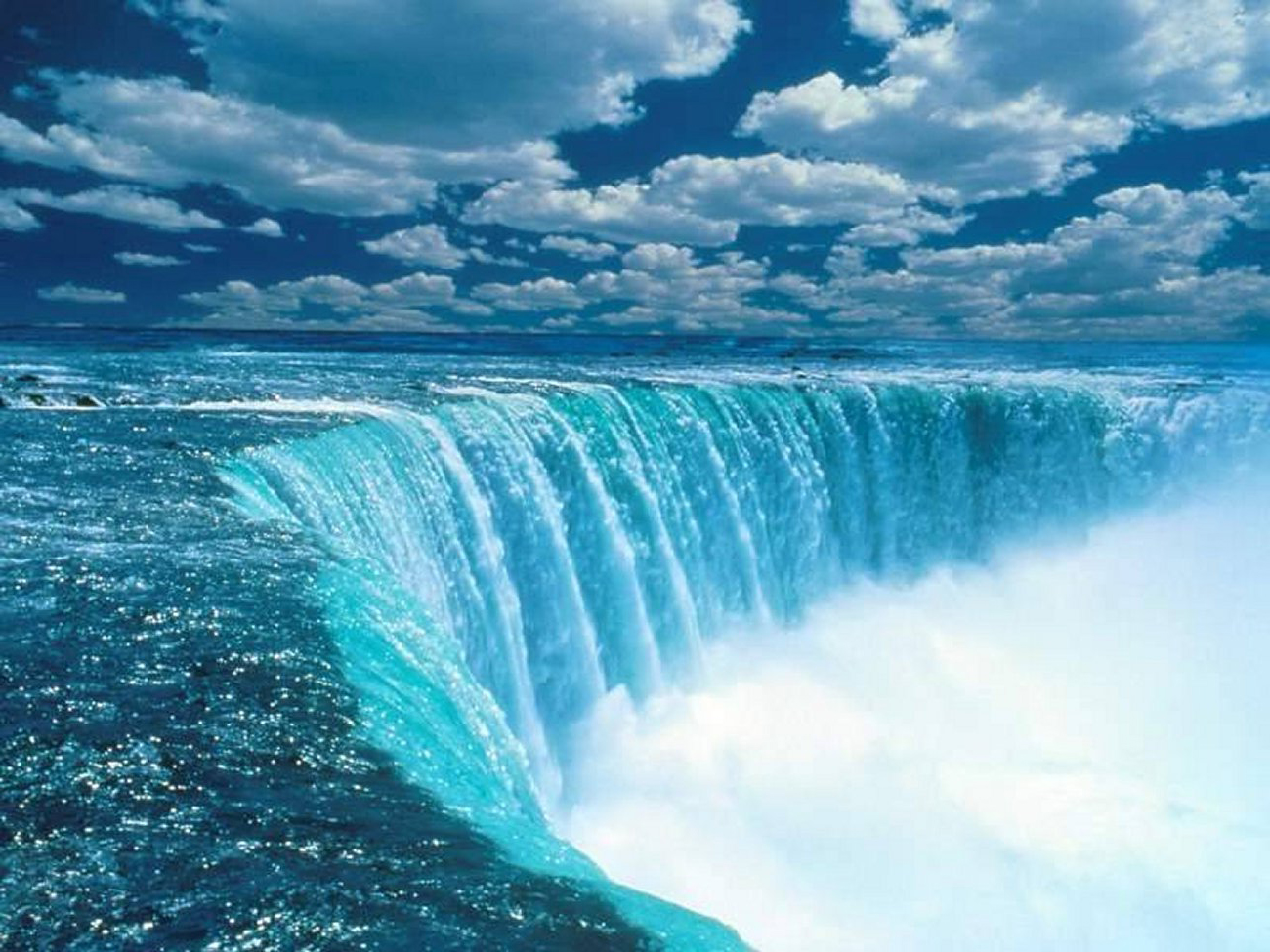 صورة رؤية شلال الماء في المنام , شلال ماء شكله حلو في الحلم