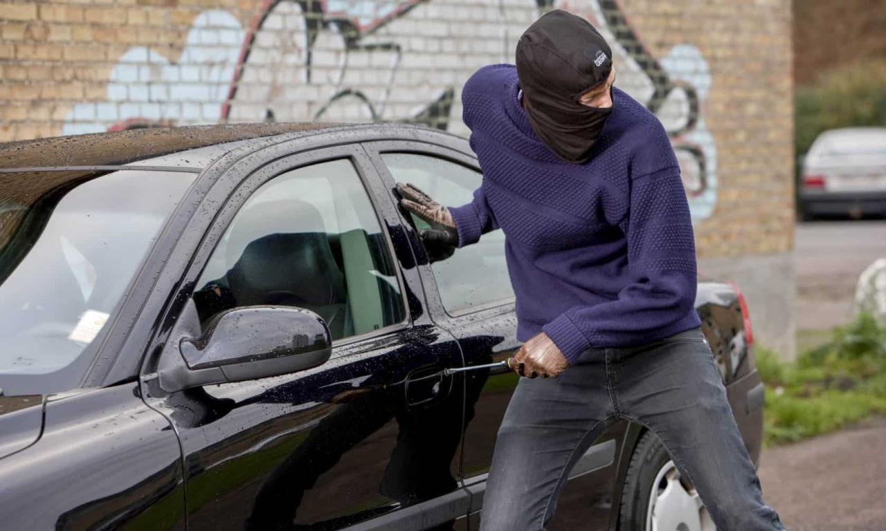 صورة تفسير حلم سرقة السيارة ، من أغرب الاحلام