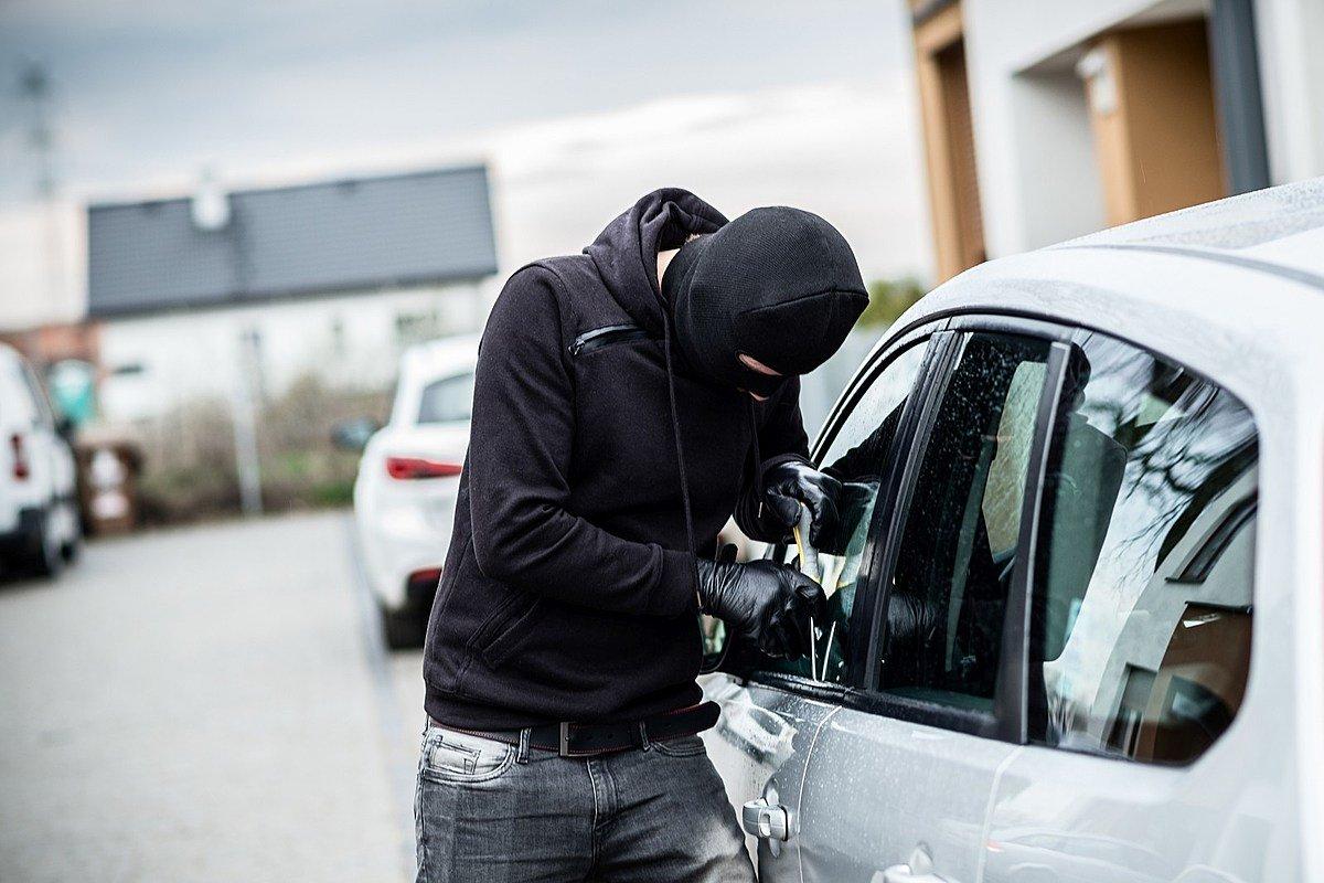 صورة تفسير حلم سرقة السيارة ، من أغرب الاحلام 2528 2