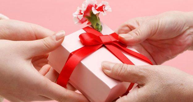 صورة كلام جميل لمن اهداك هديه, تهادوا تحبه كما قال رسولنا الكريم
